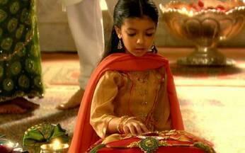 Anusha quer saber sobre o dia do irmão - Opash explica à neta o significado dessa comemoração