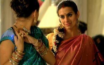 Surya provoca Camila - A indiana avisa que a cunhada é que tem que servir o tchai