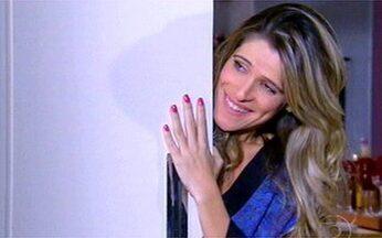 Simone, de Caras e Bocas, não tem sorte no amor - Personagem de Ingrid Guimarães fisgou um pilantrão.