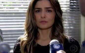 Yvone nega as acusações feitas a ela - Ela aponta Mike como o mentor dos crimes para a polícia.