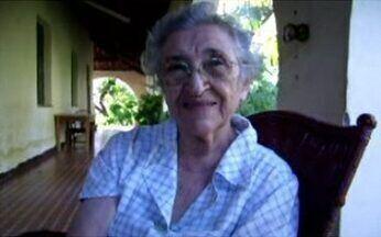 Idosa segue carreira de pintora - Dando mais uma prova da vitalidade dos idosos brasileiros, senhora conta como começou uma vitoriosa carreira no ramo da pintura de telas.