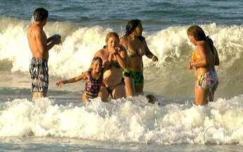 Dia de Praia - Parte 2 - Após uma viagem que durou 50 horas, os amigos de Boa Vista finalmente aproveitam a praia na Ilha Margarita. O grupo fica maravilhado e, ao mesmo tempo, emocionado em conhecer o mar.