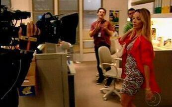 Invadimos o cenário de 'A Vida Alheia' no último episódio da série - O VÍDEO SHOW mostra elenco e equipe nos bastidores da gravação do último capítulo.