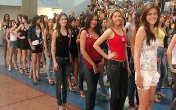 Veja imagens da etapa seletiva em Belém do Pará - Foram 3128 candidatas que compareceram à etapa seletiva na capital paraense com o sonho de se tornarem a nova Menina Fantástica. Confira como foi o dia.
