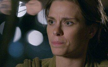 Passione - capítulo de sexta feira, dia 12/11/2010, na íntegra - Diana descobre que o homem que a abordou na porta de casa é seu irmão André