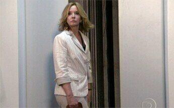 Reveja a cena de mais uma morte em Passione - A secretária Myrna foi a vítima dessa vez.