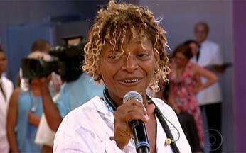Mart'nália fala da sua paixão pelo samba - Filha de Martinho da Vila conta quando decidiu entrar para o mundo do samba e fala da sua ligação com a África