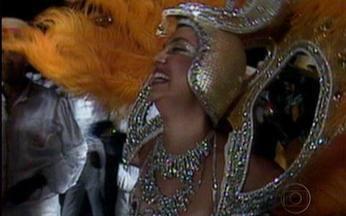 Baú da Globo mostra desfile da Acadêmicos do Encantado, em Partido Alto - Até o intérprete Neguinho da Beija-Flor foi convocado para cantar o samba da escola
