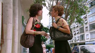 Tapas e Beijos – Episódio de 26/04/2011, na íntegra - Sueli e Fátima se desentendem com motorista de ônibus que para sempre fora do ponto.
