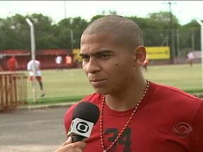 Walter, ex-jogador colorado, afirma que sonha em jogar no Grêmio - Centroavante esteve em Porto Alegre para visitar ex-colegas do Inter.