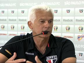 Leão confia em Dênis para substituir Rogério Ceni - O técnico, que é um dos melhores goleiros da história do país, escolheu Denis e pede calma com o goleiro.