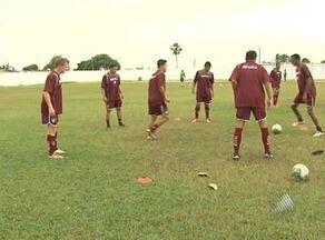 Fluminense de Feira busca contra o Vitória a reabilitação no Baianão 2012 - Apesar de ter um técnico conhecido, estrelas no elenco e dirigente famoso, o começo do campeonato está complicado para o tricolor de Feira.