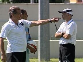 Botafogo quer esquecer problemas dos gramados para voltar a vencer no Carioca 2012 - Alguns jogadores acreditam que o momento é de ter calma e tranquilidade.