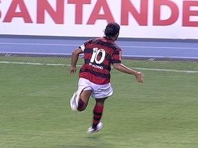 Com golaço de Ronaldinho Gaúcho, Flamengo vence Real Potosí e vai à Libertadores - Léo Moura e o meia garantiram a classificação rubro-negra.