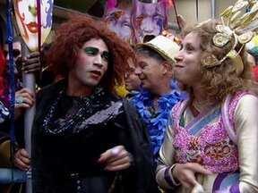 Valéria e Janete se preparam para o carnaval - Valéria faz parte da diretoria do bloco 'Ai, Como Eu Tô Bandida!'. Janete se prepara para desfilar na Sapucaí com a escola 'Colibri da Mangabeira'