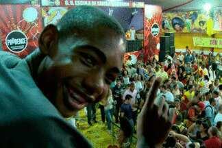 Família toda está no samba, menos Caíque, que não gosta de Carnaval - De família tradicional na Tom Maior, ele não é fanático como os parentes.'Até gosta de samba, só que não tem paciência', diz a mãe, porta-bandeira.