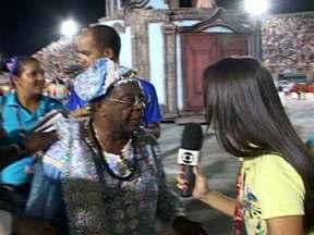 Milton Gonçalves fala sobre o desfile da Portela - O ator disse que todos conseguiram fazer a coreografia. Milton Gonçalves enfatizou que a escola desfilou com muita garra e amor.