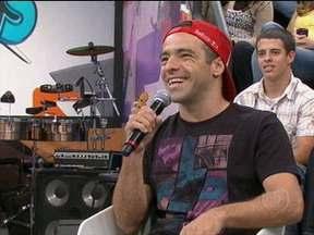 Sandro Dias fala de turnê pela Nova Zelandia com Tony Hawk - Skatista fala que sempre fica nervoso quando anda de skate com o americano
