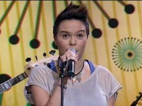 Maria Gadú canta a nova música Axé Accapella - Cantora mostra todo o seu talento no Altas Horas