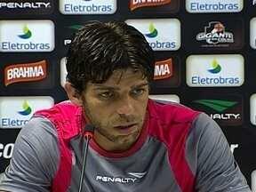 Vasco se prepara para clássico contra Botafogo pelo Campeonato Carioca - Juninho Pernambucano, que não defendeu o Cruzmaltino contra o Libertad, deve ficar entre os titulares.