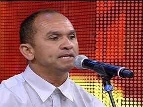 Edvan da Costa é o cantor do P - No palco do Domingão, ele mostrou o seu número para a plateia