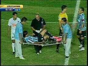 Moreno pode desfalcar o Grêmio por duas semanas e abre espaço para Miralles - Atacante argentino ainda não conseguiu se firmar no Grêmio e pode ter nova chance na lesão do colega.