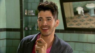 Gusttavo Lima canta ´Amor de Mão´ - No clipe, sertanejo diz que a mão é seu amor