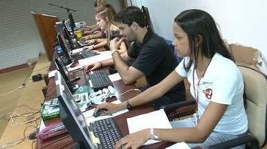 Em Movimento: Jovens trabalhando no feriado - Conheça uma galera que abriu mão de curtir o feriado para trabalhar em um congresso em Guarapari