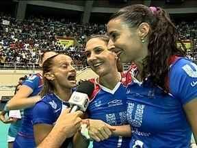 Rio de Janeiro vence o Vôlei Futuro e encara o Osasco na final da Superliga Feminina - Equipe carioca fecha o jogo por 3 sets a 0 com parciais de 25/23, 25/23 e 25/22.