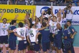 Cruzeiro bate o Minas e está na final da Superliga - Equipe cruzeirense não deu chances e venceu por 3 sets a 0
