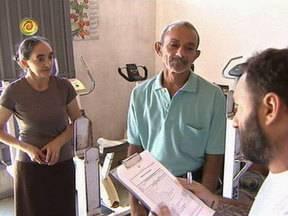 Luciano captura o casal João e Maria - Equipe do programa inventa uma história absurda para enganar o casal