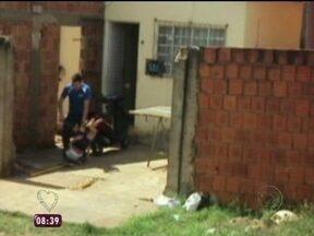 Covardia e violência no Mato Grosso do Sul: pai espanca filha - Mais Você fez alerta para a violência contra criança e mostrou um pai espancando uma filha de 9 anos em Mato Grosso do Sul.