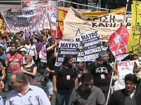 Milhares de pessoas protestam contra desemprego na Europa - Uma multidão tomou conta do Centro de Madri, para dizer não aos planos do governo. O desemprego na Espanha supera os 24%. A mobilização se repetiu na Grécia.