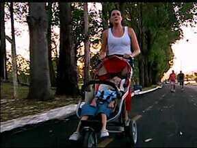 Por amor ao filho, geógrafa uberlandense vira atleta - Mãe e filho vão participar no sábado da Corrida de Rua em Uberlândia. Está será a primeira corrida oficial deles