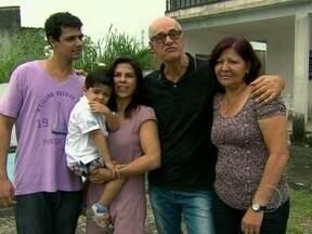Marcos Caruso mostra a inspiração para compor seu Leleco, de Avenida Brasil - Ator passou um tempo no bairro do Santíssimo para criar o personagem