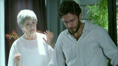 Amor Eterno Amor - Capítulo de quinta-feira, dia 24/05/2012, na íntegra - Verbena aparece ao lado de Rodrigo
