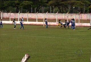 Corumbaense vence e marca os primeiros pontos no sul-mato-grossense sub-18 - Em Ponta Porã, o Corumbaense derrotou o time da casa e marcou os primeiros pontos no estadual sub-18. Veja os melhores momentos da partida.