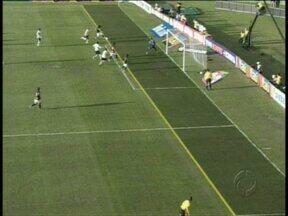 Partida entre Coritiba x Botafogo foi de vários lances polêmicos - Partida entre Coritiba x Botafogo foi de vários lances polêmicos