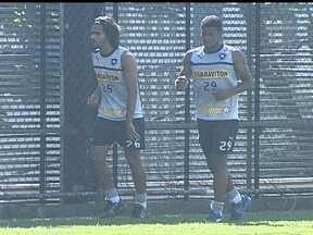 Botafogo treina já pensando na partida contra o Cruzeiro - Alvinegro deixa o Rio de janeiro para seguir para Teresopólis. Marcelo Mattos tem grande chances de jogar contra a Raposa.