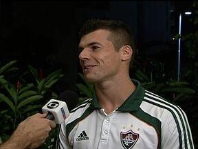 Depois de fase complicada, Wágner começa a se destacar no Fluminense - Meio-campo do tricolor carioca diz que quer ficar o mais longe possivel do banco de reserva.