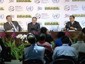 Rio+20: Brasil propõe que pontos polêmicos sejam adiados para 2014 - As metas e as formas de financiamento para um desenvolvimento sustentável podem ficar de fora do rascunho do documento final da Rio+20. A notícia foi dada em uma entrevista coletiva.