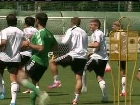 Renovada, Alemanha enfrenta Grécia por vaga na semifinal da Eurocopa - Técnico Joachim Low adota estilo liberal no comando de uma das seleções favoritas ao título da competição.