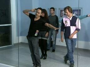 Casal recria a coreografia que fez sucesso em seu casamento - Fabricio Battaglini bota a galera para dançar