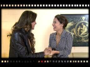 Bastidores: Andréia Horta encontra cantora Lia Sophia no camarim de Amor Eterno Amor - É ela quem canta o tem 'Ai Menina', tema de Valéria na trama