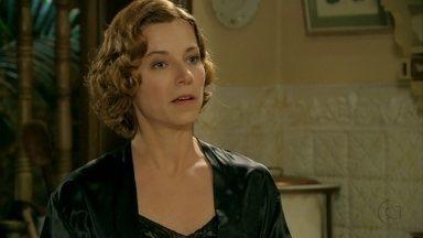 Conceição incentiva Olga a investigar o marido - Tonico é novamente mordido no traseiro pela esposa