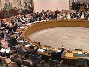 Funcionários da embaixada do Brasil na Síria são transferidos para Líbano - Nas últimas 48 horas, 30 mil pessoas fugiram para o Líbano. Rebeldes dizem que controlam postos de fronteira com o Iraque e a Turquia. O prazo de permanência dos observadores da ONU na Síria foi adiado por mais 30 dias.