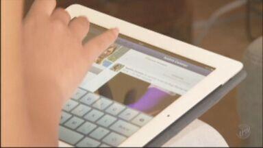 Facilidade em se conectar atrai pessoas às redes sociais - Redes sociais são tema do EPTV na Escola deste ano.