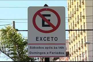 Estacionamento em algumas ruas de Vila Velha, no ES, fica proibido em dias de sábado - Comerciantes e moradores foram pegos de surpresa.