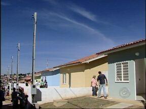 Alckmin anuncia investimentos para rodovias da região de Itapetininga, SP - Durante visita a região de Itapetininga (SP) neste sábado (21), o governador Geraldo Alckmin (PSDB) anunciou melhorias para as rodovias. Segundo o governador, será realizada a recuperação da SP-250.