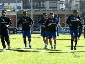 Se a atenção do Grêmio está voltada para Seedorf, no Inter o nome é Fernandão - Dupla Gre-Nal joga neste domingo pelo Brasileirão.